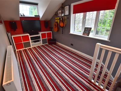 Mezzanine Bedroom/Study